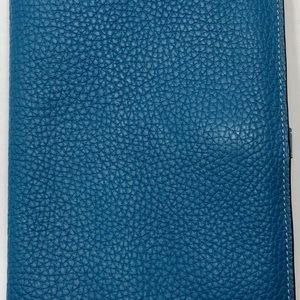 Hermès Dogon Togo Duo wallet.